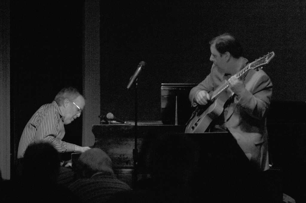 Bob James & Howard Paul at the Jazz Corner. Mar 2007