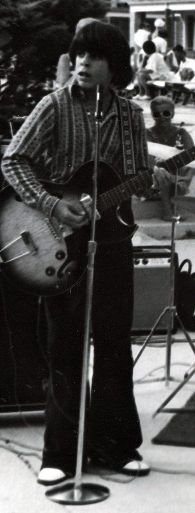 1973 Atlantic City NJ Motel Gig w/Bobby Baker (drums) and Rick Larkum (guitar).  ES-125 TCD